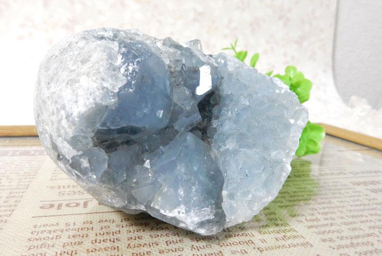 マダガスカル産セレスタイトの原石-1